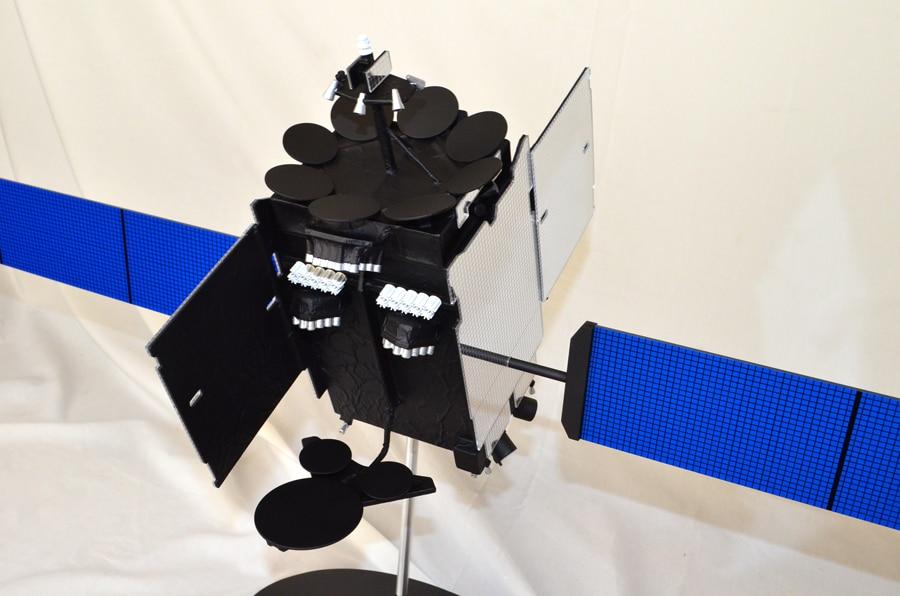 24th Scale Inmarsat 5 Satellite Model
